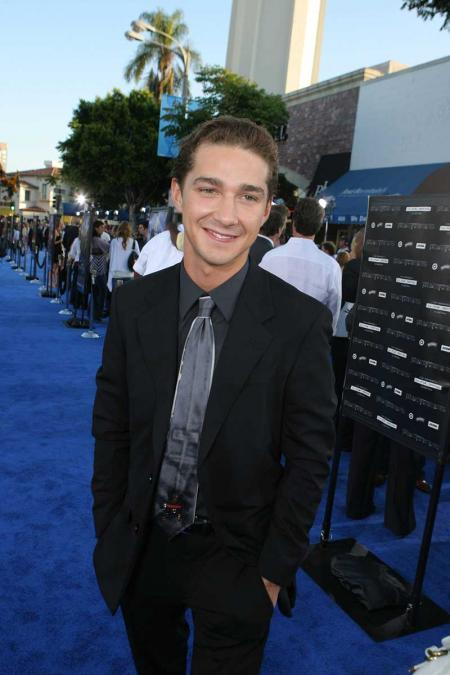 Shia LaBeouf blue carpet