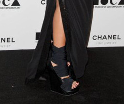 Rachel Zoe's extra large high heel