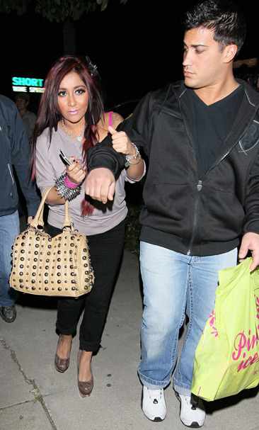Snooki and her boyfriend Jionni at Sunlounge tanning salon