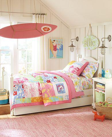 Surfer girl theme room