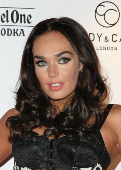 Tamara Ecclestone's face framing curls