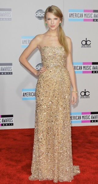 Taylor Swift in nude gown
