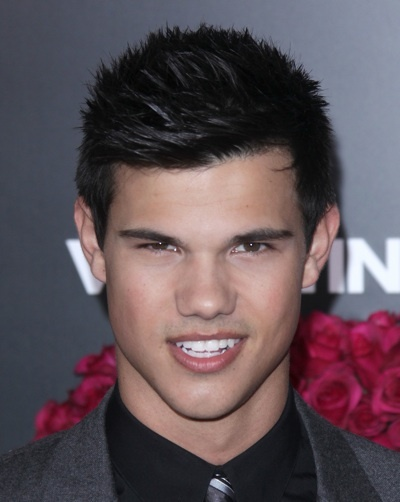 Taylor Lautner Valentine&#039;s Day premiere
