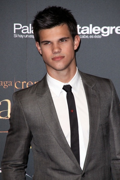Taylor Lautner New Moon fan party