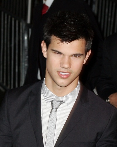 Taylor Lautner screens new Moon in NY
