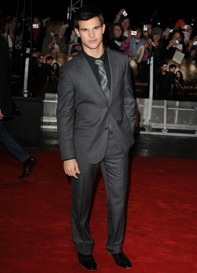 Taylor Lautner UK fan party for New Moon
