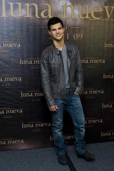 Taylor Lautner New Moon Mexico City photocall