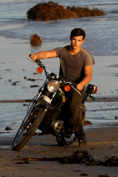 Taylor Lautner Rolling Stone photoshoot