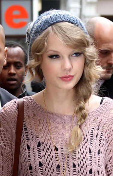 Taylor Swift's London hairstyles