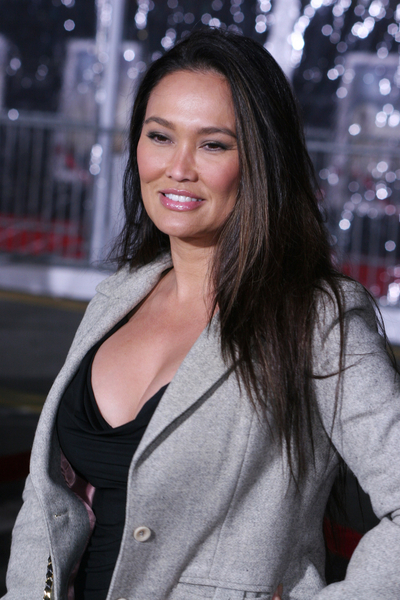 Tia Carrere's long, straight hairstyle