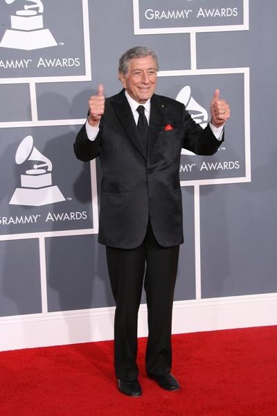 Tony Bennett strolls the red carpet