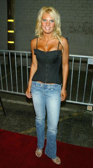 Top 10 Hottest Female Survivors: Heidi Stroble