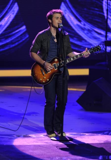 Kris Allen makes it to the Top 3 on American Idol