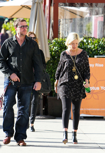 Tori Spelling and Dean McDermott head to their shop in LA