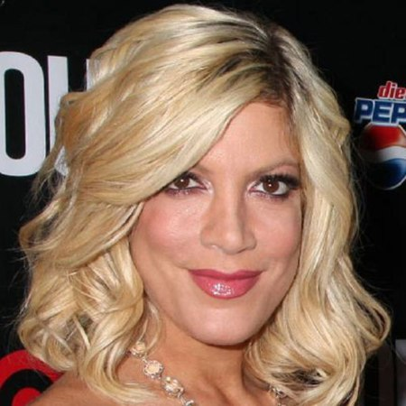 Tori Spelling red carpet