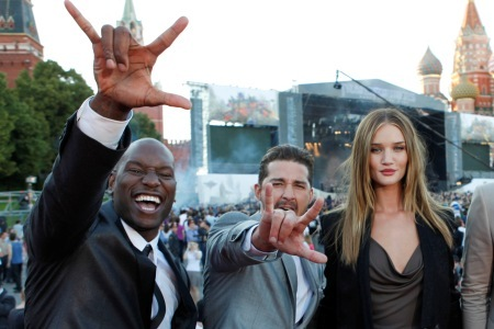 Tyrese Gibson with Transformers co-stars at the Moscow premiere.