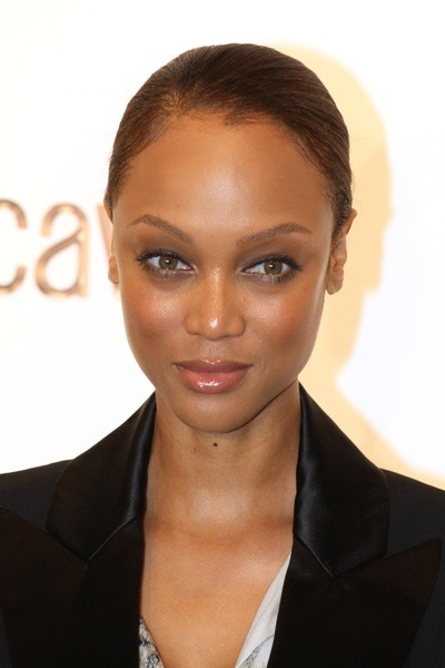 Tyra Banks's slick hairstyle