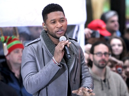 Usher woos the crowd