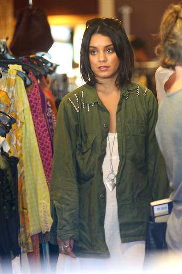 Vanessa Hudgens gets her shoppin' on