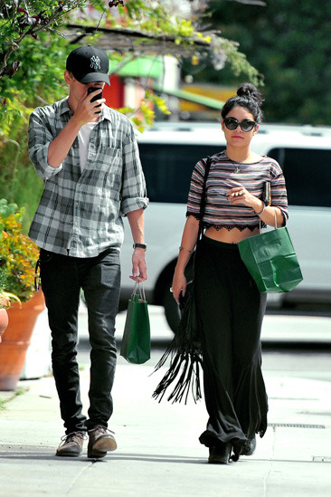 Vanessa Hudgens & her boyfriend
