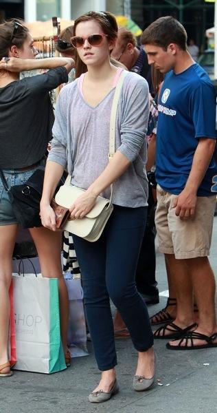 Emma Watson in skinny jeans