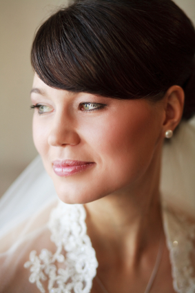 Wedding hair - Smooth bun with full bangs