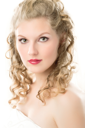 Wedding hair - Ringlets half up