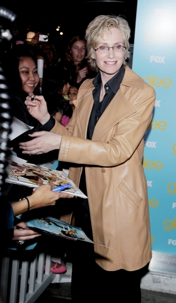 Jane Lynch signs for fans