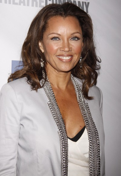 Vanessa Williams stunning for springtime