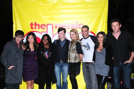The cast signs off