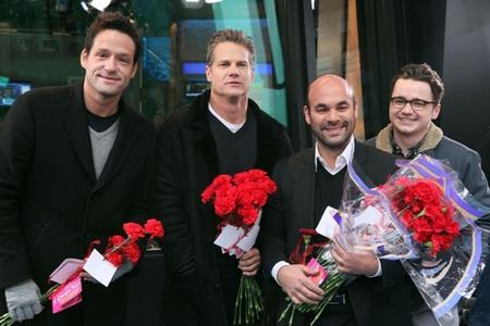 Real gentlemen give flowers