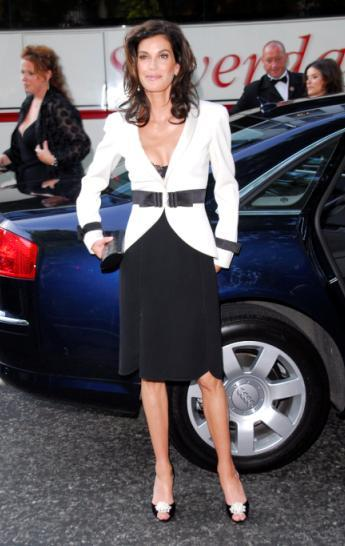Teri Hatcher is all Glamour