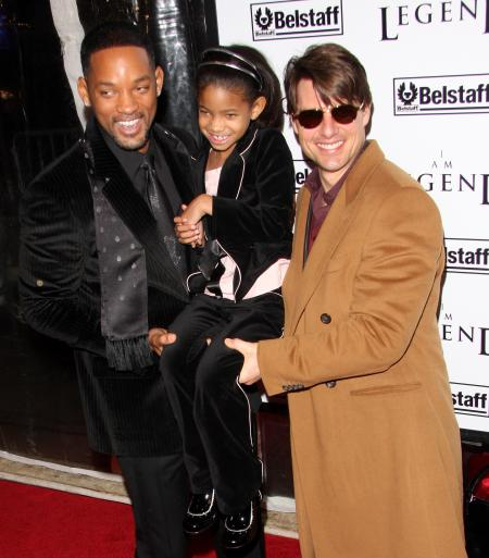 STILL HOLDING STRONG . . . Will Smith Brings His FAMILY ...