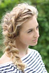Braided hairstyle - Very loose side braid, curly hair