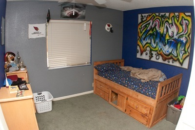 Zack's room before view 1