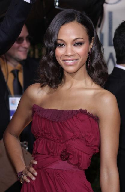 Zoe Saldana's sexy shoulder length hairstyle