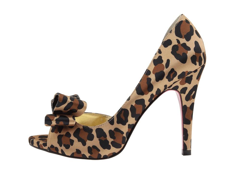 Paris Hilton Senorita Pumps Gift Ideas
