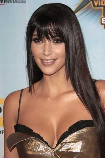 At the Spike TV Video Game Awards, Kim Kardashian wore her hair long, sleek,