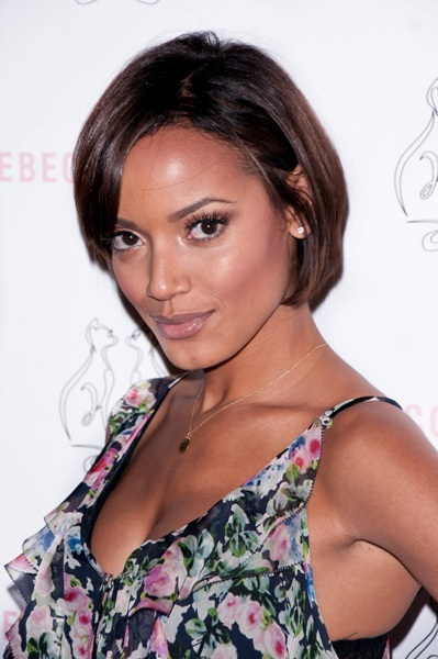 selita ebanks short hair. Selita Ebanks models her short