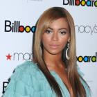 Beyonce?s long straight sexy hairstyle