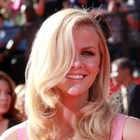 Brooklyn Decker?s blonde bombshell hairstyle