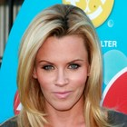 Jenny McCarthy?s long, layered hairstyle
