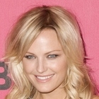 Malin Akermans messy, blonde hairstyle