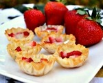 Brie, honey and strawberry puffs