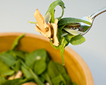 Arugula and Mushroom Salad with Garlic Dressing