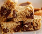 Chocolate Chunk Oat Bars
