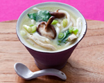 Ginger Chicken Udon with Spinach and Mushrooms