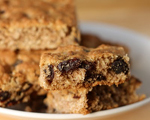 Chewy Oatmeal Raisin Bars