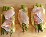Open face asparagus and prosciutto sandwich