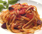 Pasta with Raw Tomato Puttanesca